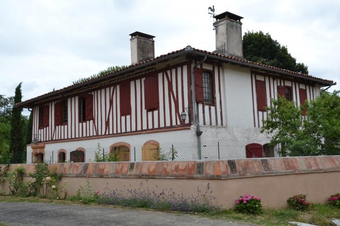 Saint-Loube-Amades 1 - belle bâtisse
