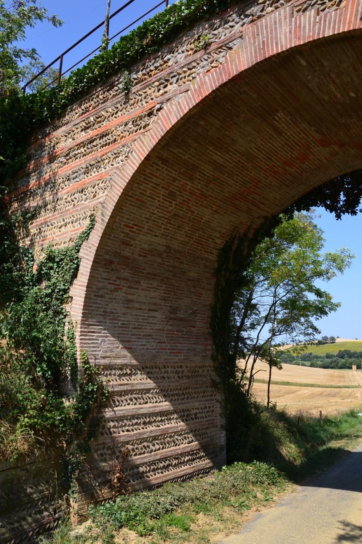 Saint-Loube-Amades 5 - l'ancien viaduc