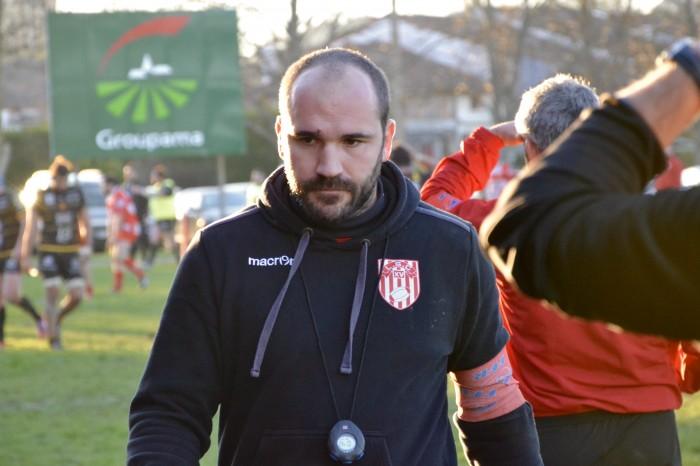 Rugby LSC - Essai pour Rodez dans les arrêts de jeu après une situation confuse. Jérôme et Jean-Paul tentent de comprendre, mais Christophe sait déjà que le point du bonus défensif est perdu...