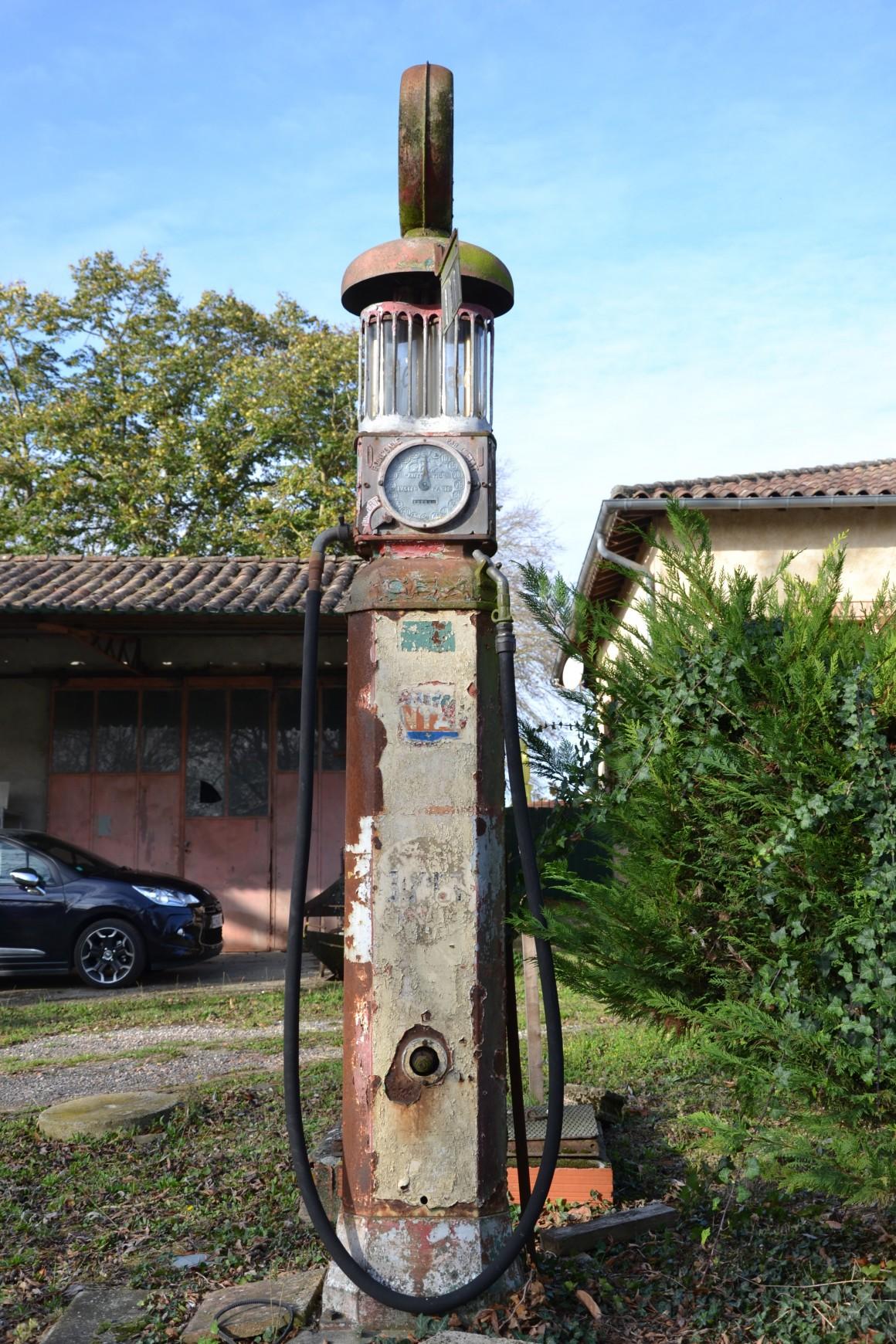 Noilhan - Pompe à essence