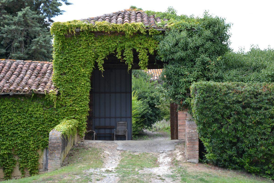 Garravet6 - Garravet - porche de l'ancien château