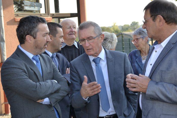 Visite du secrétaire général de la préfecture à Polastron - Alain Laffiteau (au centre) en pleine discussion avec Guy Fitzer et Pierre Lacomme