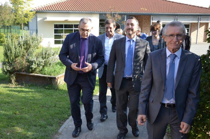Visite du secrétaire général de la préfecture à Polastron - Visite de l'école