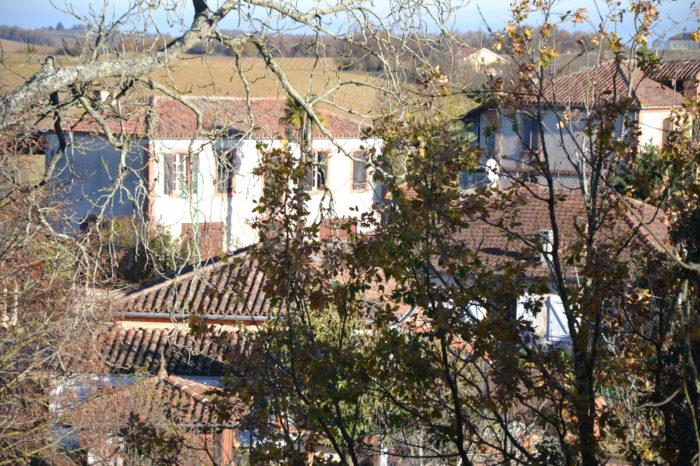 Pellefigue - Vue du parvis de l'église