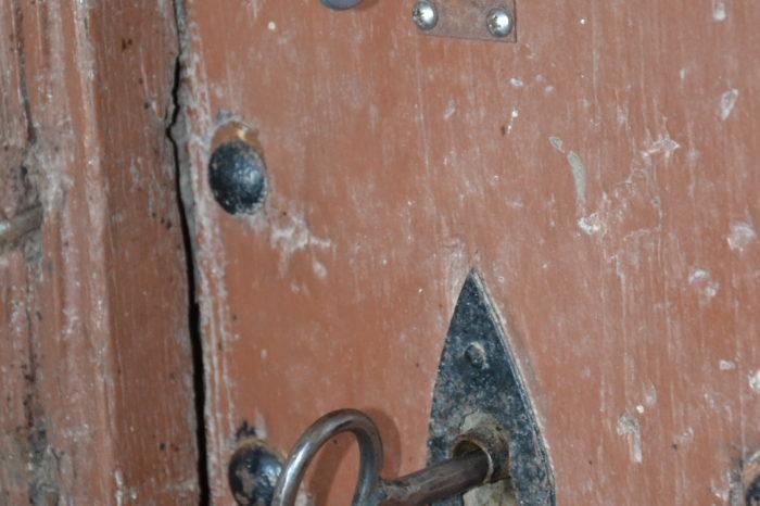 Pellefigue - Les deux clefs de la porte de l'église