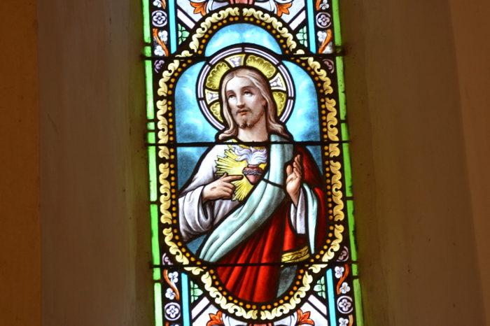Pellefigue - Vitraux de l'église
