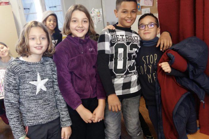 Conseil municipal d'enfants lombez - Les tout premiers élus du Conseil municipal d'enfants de l'alpe de l'école élémentaire Pétrarque Crédit photo : DR