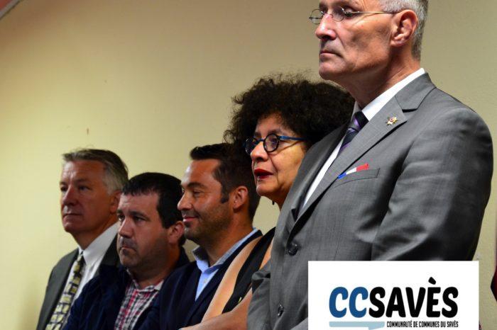 Inauguration mairie Pellefigue - juillet 2019-6 - La conseillère régionale Fatma Adda entourée du sénateur Franck Montaugé (1er plan) et du conseiller départemental, Jean-Pierre Cot.