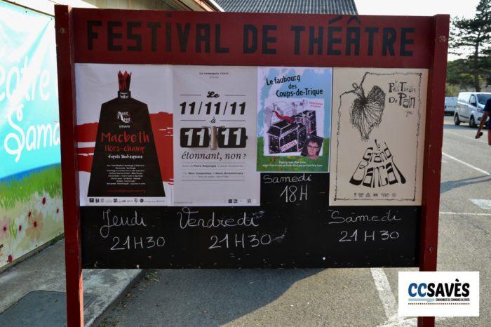 Un été dans le Savès - théâtre d'été juillet 2021-13 - À l'entrée du village du festival